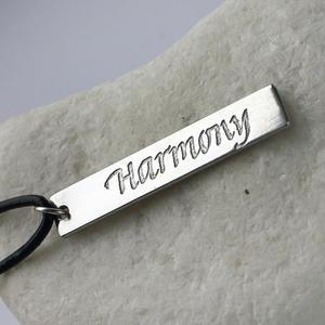 "Hänge med text ""Harmony"""