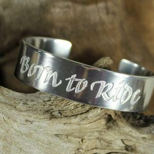 """Born to Ride"" stel armring med text"