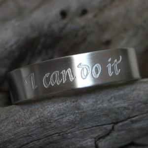 """I can do it"" stel armring med text"